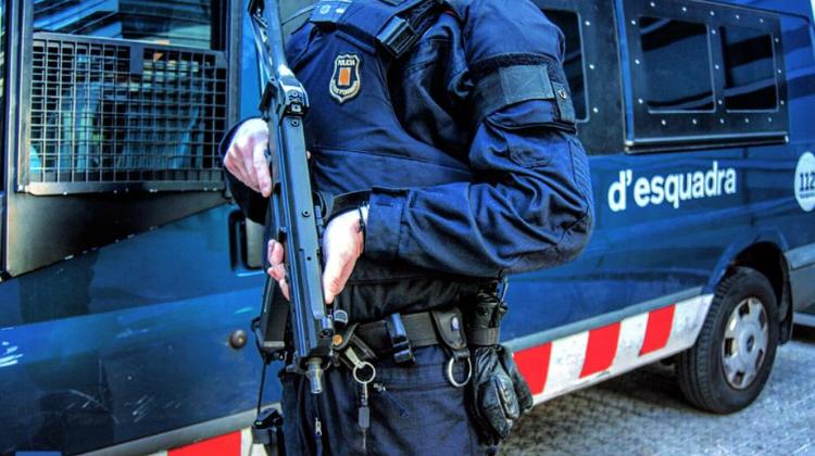 L'ÚS DE LA FORÇA PER LA POLICIA   25H